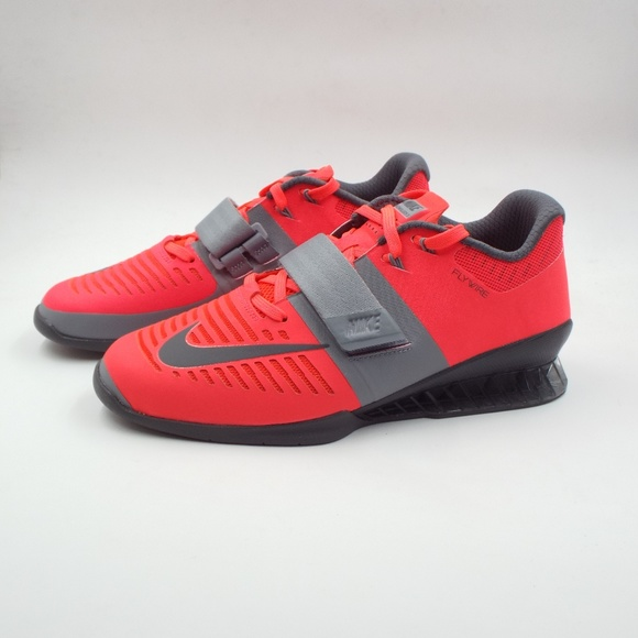 pretty nice f8a1d a9cb0 Women s Nike Romaleos Weightlifting Shoes Size 8.5